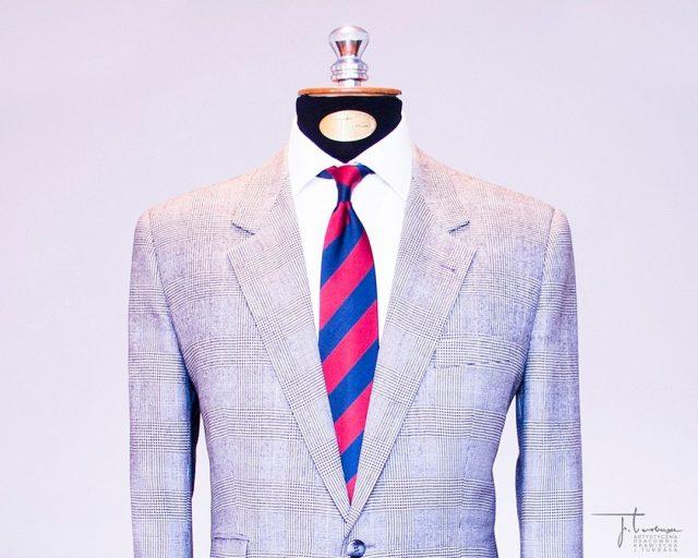 ✂️ Szyta na miarę marynarka J. Turbasa ✂️, wykonana z tkaniny w kratę Księcia Walii (tzw. prince de galles). / Turbasa bespoke prince de galles jacket.  #turbasa #pracowniakrawiecka #krawiectwo #bespoketailoring #artystycznapracowniakrawieckajturbasa #garniturnamiare #bespoksuit #krawiec #princedegalles